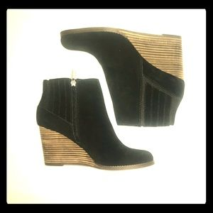 "Lucky Brand ""Yanati"" Black Suede Bootie Wedge - 11"